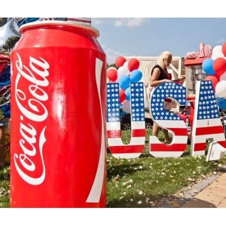 Столик Банка Coca-Cola